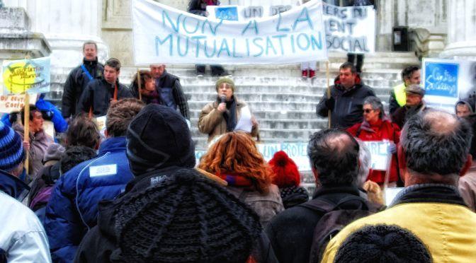 Manifestation solidaire à Saintes