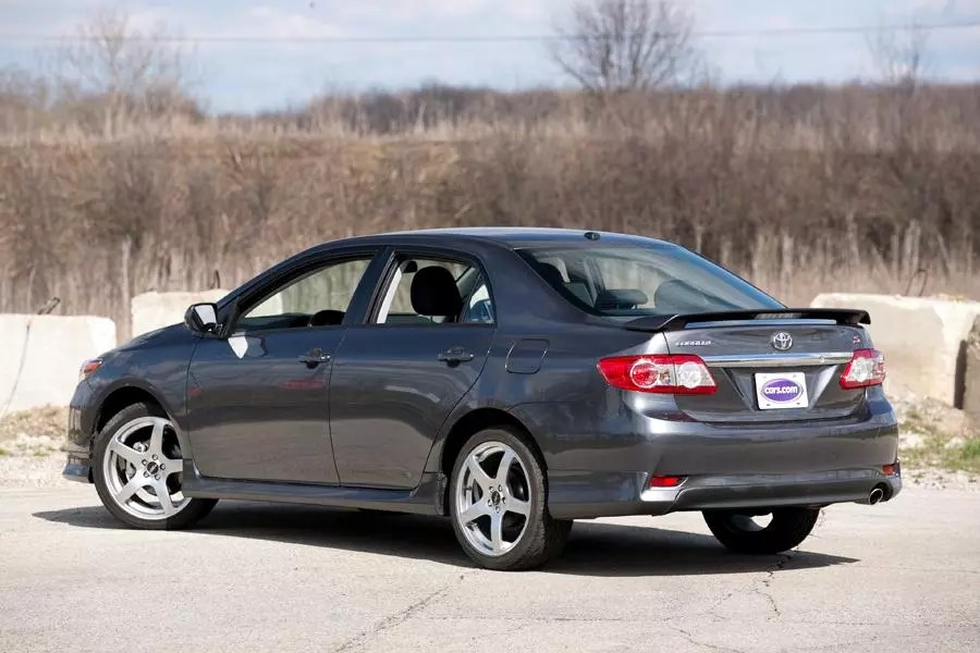 2013 Toyota Corolla Specs Pictures Trims Colors Cars Com