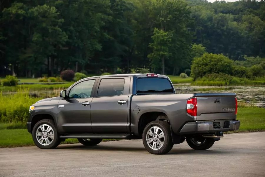 2017 Toyota Tundra Specs Pictures Trims Colors Cars Com