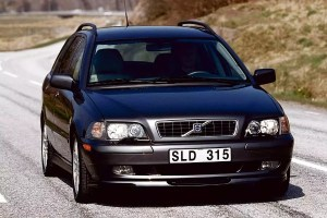 2003 Volvo V40 Overview | Cars