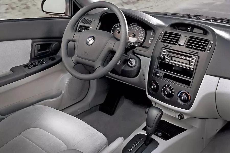 Kia Sportage 2003 Interior