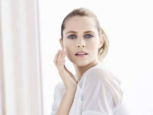 Teresa Palmer, celebrity spokesperson for Artistry by Amway.