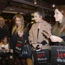 PARIS, FRANCE - JANUARY 23: (L-R) Head of global marketing Kelly Coller, Beauty influencers Emmymakeuppro, Clara Channel and glamourparis.com attend the Kat Von D Beauty opening weekend with influencers at Sephora Champs-Elysees on January 23, 2017 in Paris, France. (Photo by Dominique Charriau/Getty Images for Sephora) *** Local Caption *** Tara Buenrostro; Kelly Coller; Emmymakeuppro; Clara Channel; glamourparis.com