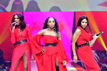 NEW YORK, NY - FEBRUARY 08: (L-R) Cindy Herron-Braggs, Terry Ellis and Rhona Bennett of En Vogue attend the American Heart Association's Go Red For Women Red Dress Collection 2018 presented by Macy's at Hammerstein Ballroom on February 8, 2018 in New York City. (Photo by Slaven Vlasic/Getty Images for AHA) *** Local Caption *** Rhona Bennett;Terry Ellis and Cindy Herron-Braggs