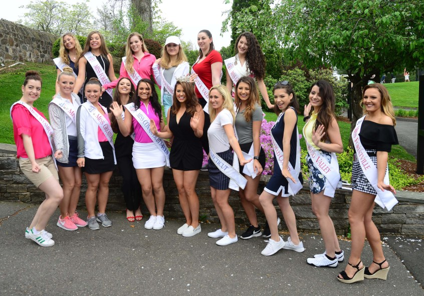 Miss America Cara Mund with the Miss Connecticut and Miss Connecticut's Outstanding Teen contestants volunteering at the Miss Connecticut Golf Tournament May 15.