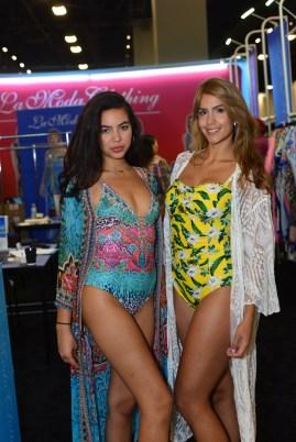 La Moda Clothing