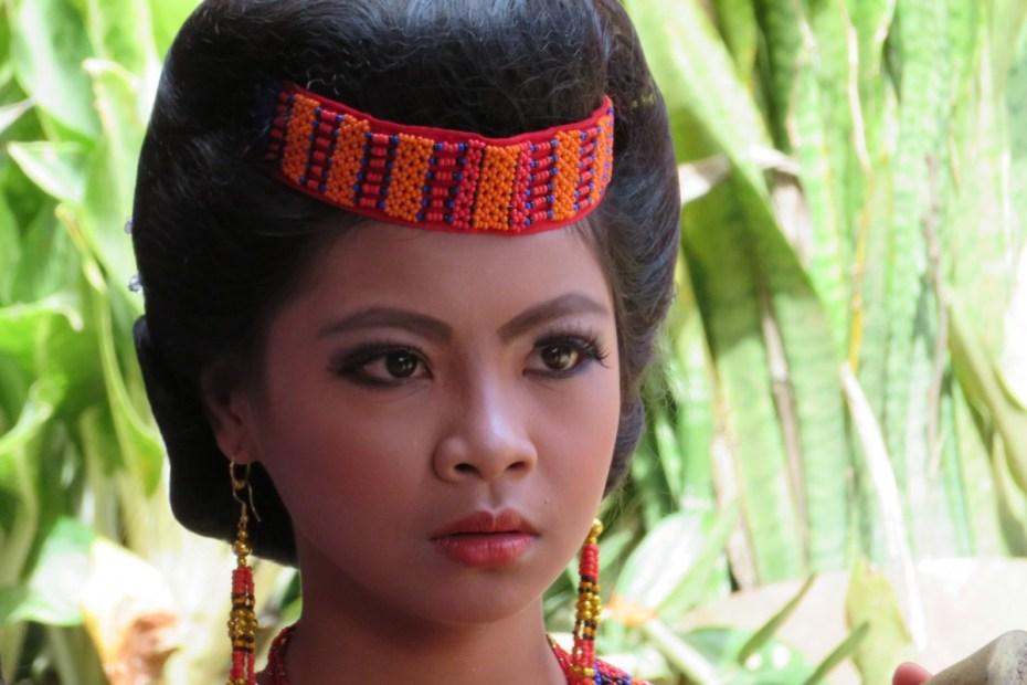 portret jonge vrouw Tana Toraja