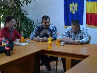 """Ședința de la Peștera legată de """"Plantăm Fapte Bune"""". FOTO Adrian Boioglu"""