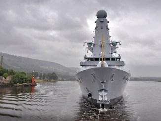 HMS Duncan vine în portul Constanța. FOTO Wikimedia
