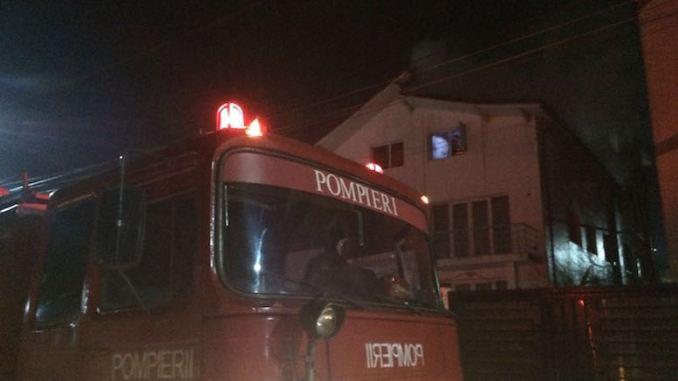 Echipele de pompieri de la ISU Dobrogea au lichidat incendiul. FOTO V.M.