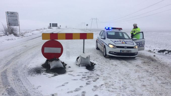 Drum închis de zăpadă. FOTO V.M.