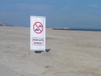 Mașinile nu au voie pe plaja