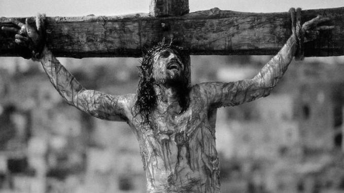 Scena răstignirii lui Iisus în comuna Peștera