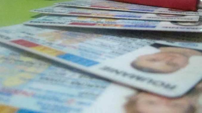 Cărți de Identitate. FOTO timpolis.ro