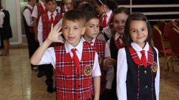 Uniforme pentru elevii din comuna Peștera. FOTO Adrian Boioglu
