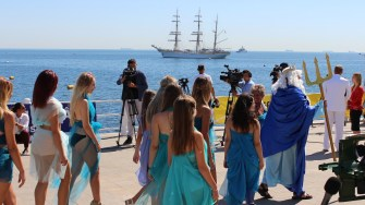 Zeul Neptun și sirenele la Ziua Marinei Române. FOTO Adrian Boioglu