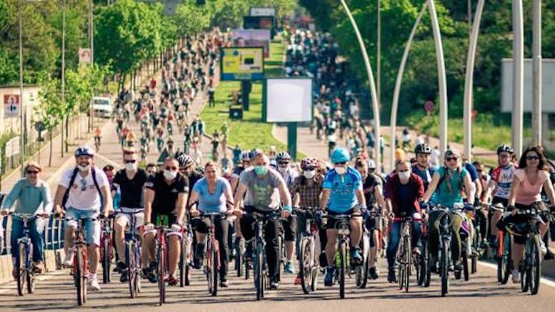 Marșul bicicliștilor. FOTO optar.ro