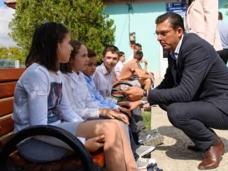 Horia Țuțuianu față în față cu elevii de la sat