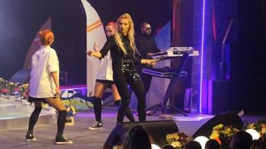 Lora a concertat la finalul Festivalului Dan Spătaru, Medgidia, 2016. FOTO Adrian Boioglu