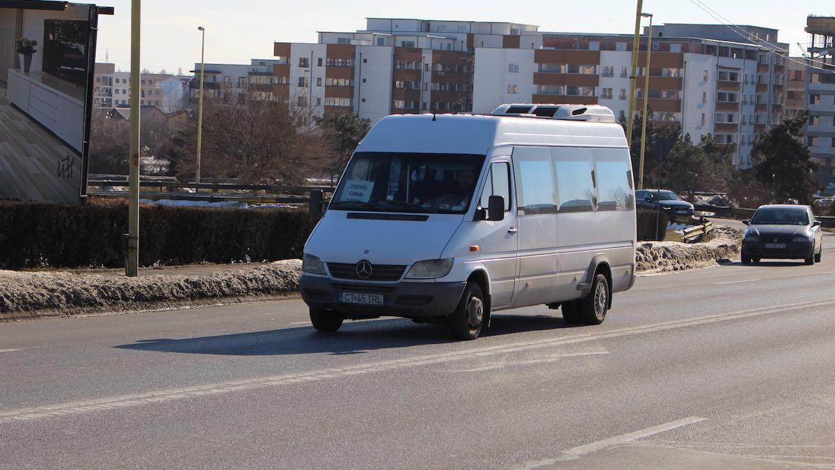 Microbuz Maxi-Taxi. FOTO Adrian Boioglu