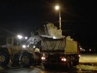 Utilajele Polaris ridică zăpada din Constanța