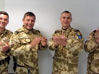 """""""Rechinii Albi"""" cântă în Afghanistan"""