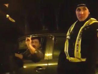 Șoferul beat a fost oprit de jandarmi. FOTO ctnews.ro