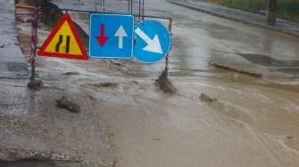Ploile torențiale au afectat o lucrare la o conductă a RAJA