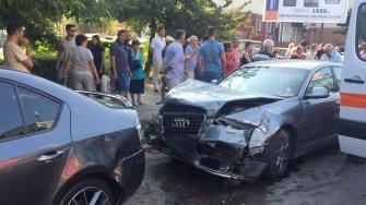 Patru autoturisme au fost implicate în accident