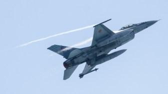 Avion Fortele Aeriene Romane F 16 la Ziua Marinei 2017. FOTO Cătălin Schipor