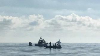Nave cu migrantui luand cu asalt tarmul romanesc. FOTO FacebookDan MV Chitic (7)