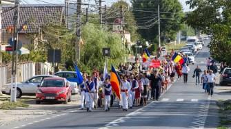 Festivalul a inceput cu un mars