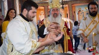 Cinci bebelusi aflati in asistentă maternală, botezati la Cumpăna. FOTO Primăria Cumpăna