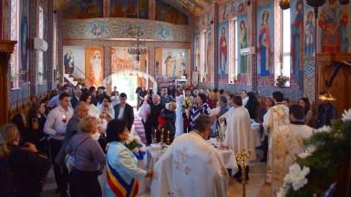 Cinci bebelusi aflati in asistentă maternală au fost botezati la Cumpăna in ajun de Sf. Parascheva. FOTO Primăria Cumpăna