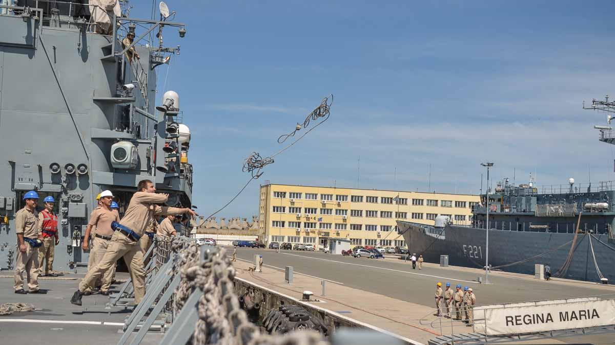 Fregata Regina Maria la tarm in Portul Constanta