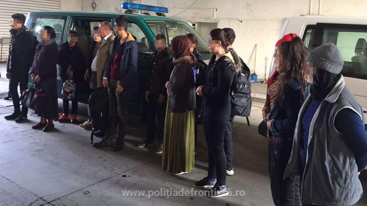 Migranti irakieni prinsi la Albesti (2)