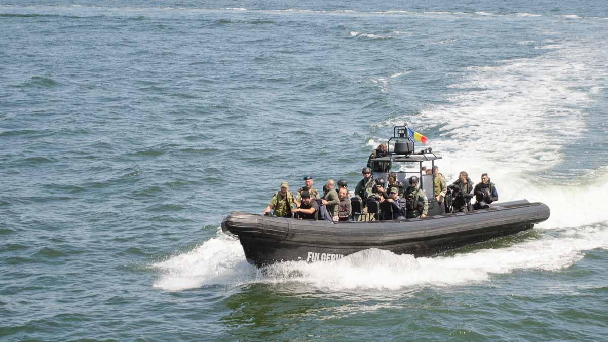 Trupe speciale ale marinei exercitiu militar (2)