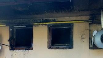 Pompierii au intervenit si au stins incendiul ce se manifesta in bucatarie. FOTO ISU Dobrogea