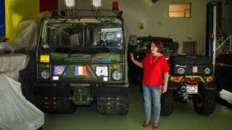 Elena Adina Lepadatu a prezentat cele douăa autovehicule pentru intervenții. FOTO Catalin Schipor