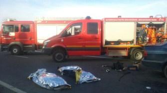 Trei morți și un grav rănit în urma impactului dintre două mașini
