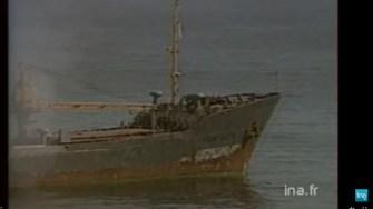 Atacul asupra cargoului românesc Fundulea a fost relatat în știrile tv din străinătate. FOTO captură video dailymotion.com