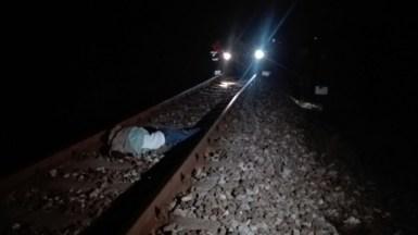 Persoanele tăiate de tren au fost declarate decedate. FOTO CTNWS.RO