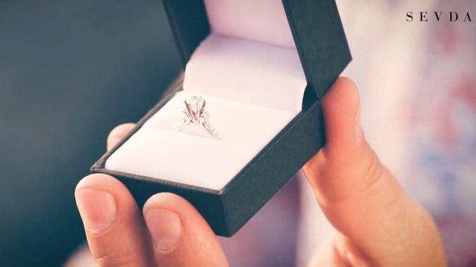 Ia inelul de logodnă de la Sevda