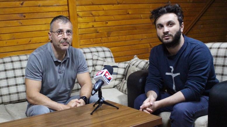 Adrian Bîlbă și regizorul Daniel Chirilă. FOTO Adrian Boioglu