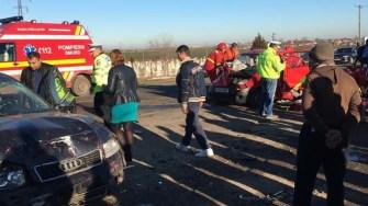 În urma accidentului a rezultat rănirea a patru persoane. FOTO ISU Dobrogea