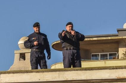 lt. col. Daniel Mihai Ferencz comandantul Grupării Mobile Tomis (stânga) a supravegheat buna desfășurare a misiunii. FOTO Cătălin Schipor