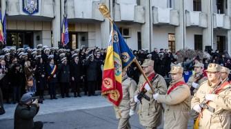 Militarii au defilat prin fața autorităților. FOTO Cătălin Schipor