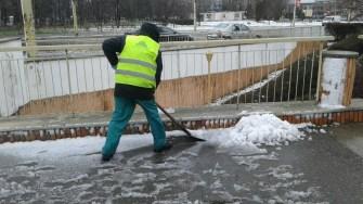 Angajații Polaris au muncit pentru degajarea carosabilului. FOTO Primăria Constanța