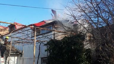 Explozia de butelie a fost urmată de un puternic incendiu. FOTO ISU Dobrogea