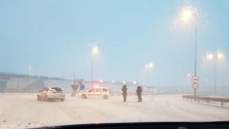Echipajele de poliție au fost postate la toate punctele de acces spre Autostrada A2